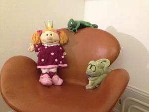 Der Sessel im gemütlichen Hotelzimmer