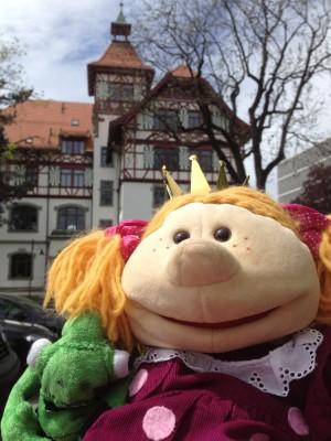 Auf Wiedersehen! (vor unserem Hotel in St. Gallen)